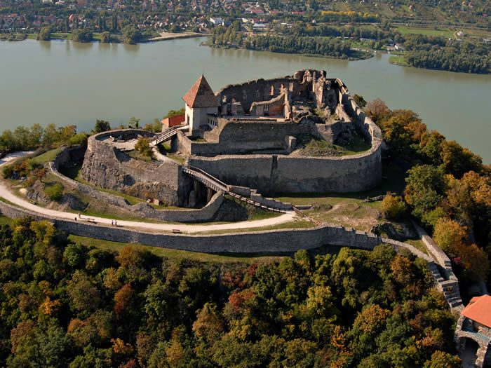 visegrad castillo hungria. turismo en hungria